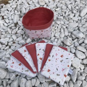 lot-de-7-lingettes-et-paniere-foret-rose-et-rose