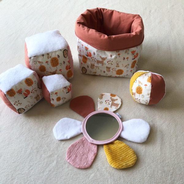 box-eveil-bebe-12-mois-cadeau