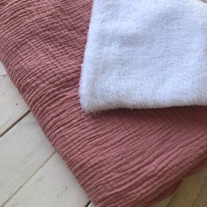 couverture-bebe-hiver-rose-pale