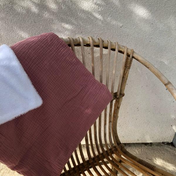 couverture-bebe-rose-pale