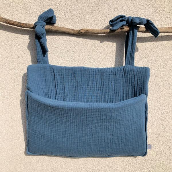 range-doudou-bebe-chambre-enfant-bleu-jean-poche